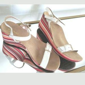 Vionic Orthaheel Tech White Sandals Striped Heel